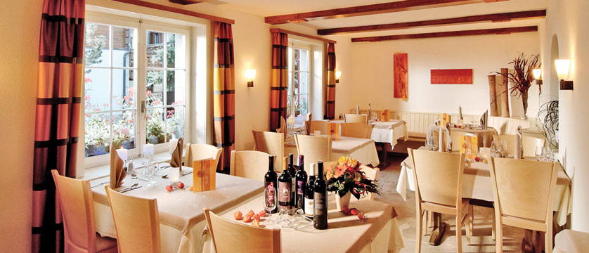 Hotel Park, Saas-Fee, Switzerland - Dining room.jpg
